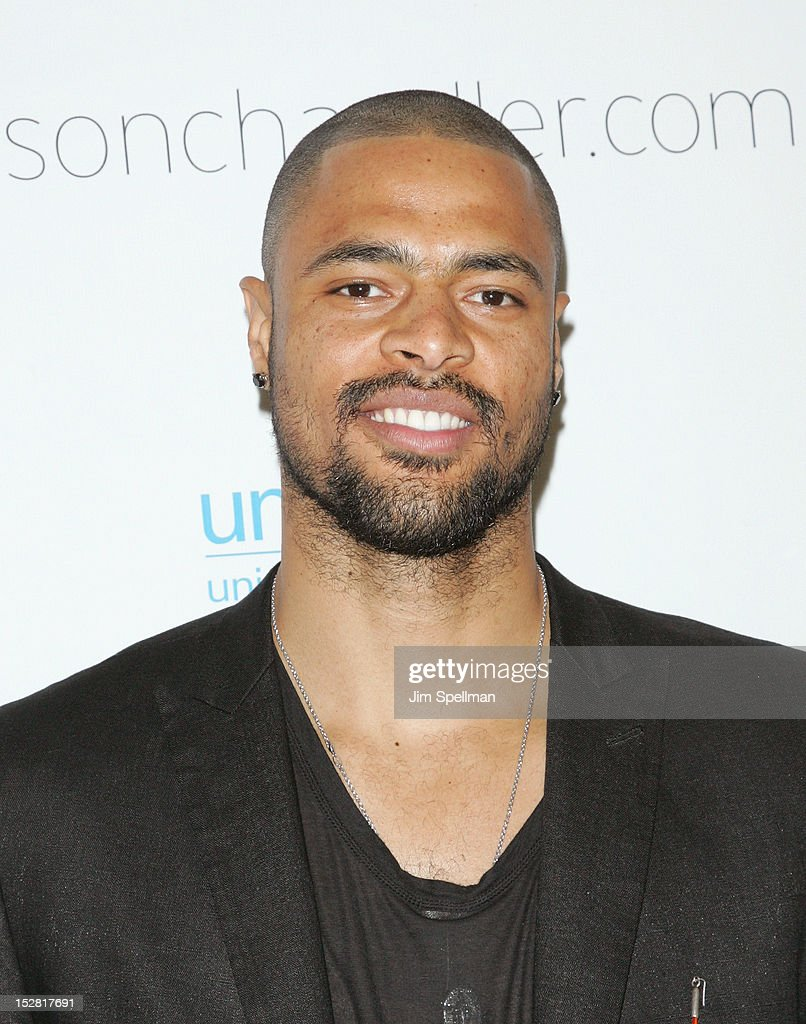 Basketball Player <a gi-track='captionPersonalityLinkClicked' href=/galleries/search?phrase=Tyson+Chandler&family=editorial&specificpeople=202061 ng-click='$event.stopPropagation()'>Tyson Chandler</a> attends 'A Year In A New York Minute' Photo Exhibition at Canoe Studios on September 26, 2012 in New York City.