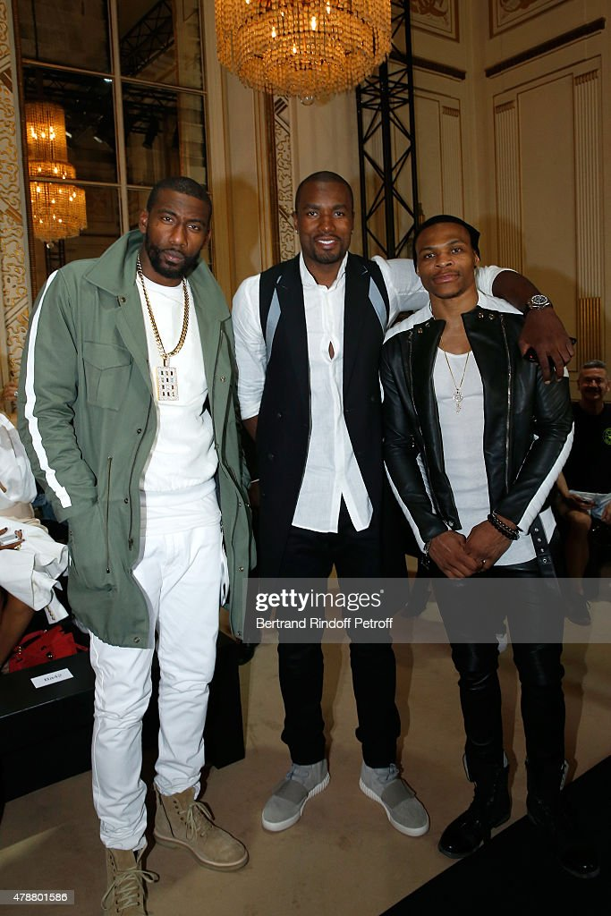 Basketball players Amar'e Stoudemire Serge Ibaka and Russell Westbrook attend the Balmain Menswear Spring/Summer 2016 show as part of Paris Fashion...