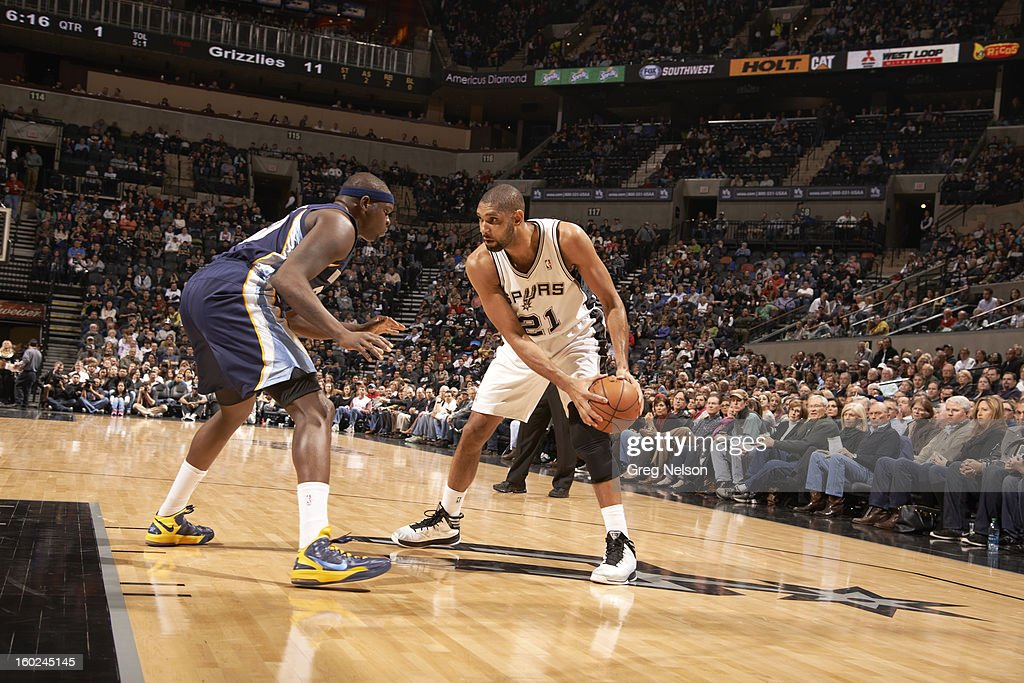 San Antonio Spurs Tim Duncan (21) in action vs Memphis Grizzlies at AT&T Center. Greg Nelson F24 )