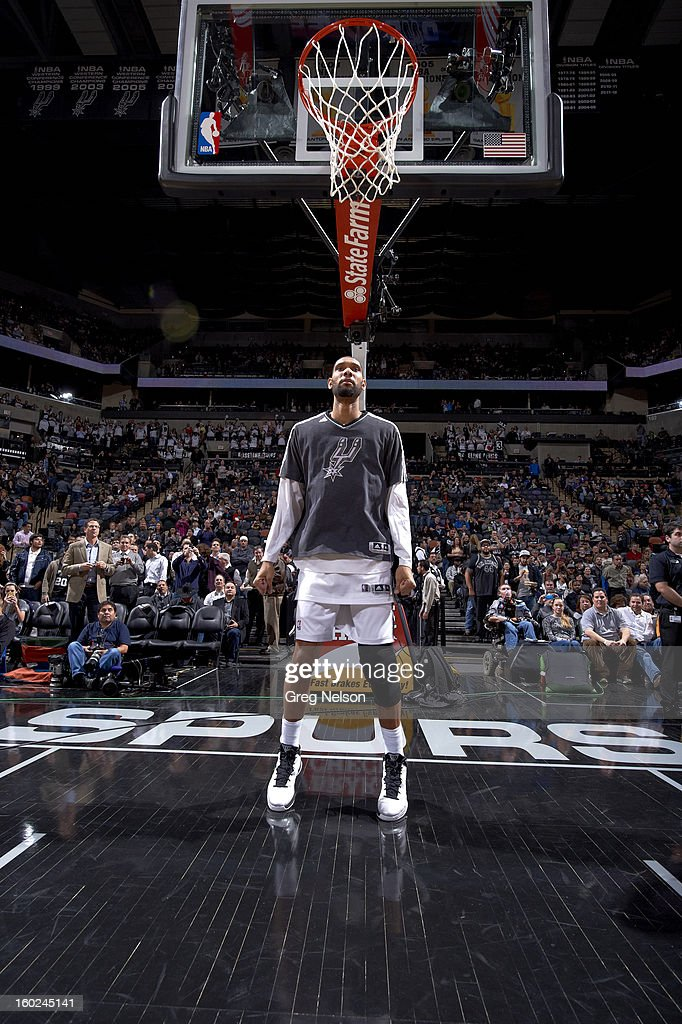San Antonio Spurs Tim Duncan (21) stretching before game vs Memphis Grizzlies at AT&T Center. Greg Nelson F48 )