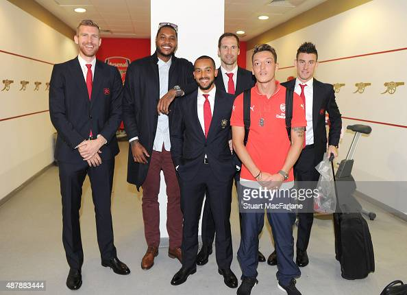 ¿Cuánto mide Per Mertesacker? - Altura - Real height Basketball-star-carmelo-anthony-with-arsenal-players-per-mertesacker-picture-id487883444?s=594x594