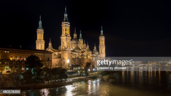Basílica del Pilar, Noche : Stock Photo