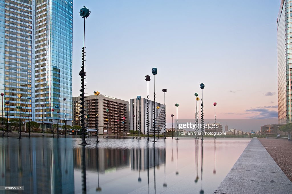 Bassin De Takis - La Defense - Paris : Stock Photo