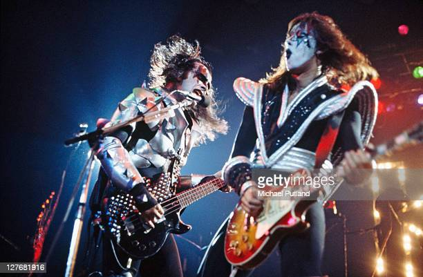 Bassist Gene Simmons and guitarist Ace Frehley performing with American rock group Kiss circa 1977