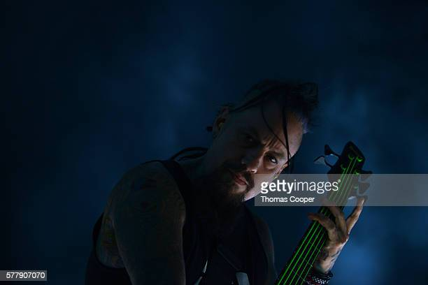Bassist Reginald Arvizu of Korn performs for fans as part of the Korn/Rob Zombie concert at Fiddler's Green Amphitheatre on July 19 2016 in Englewood...