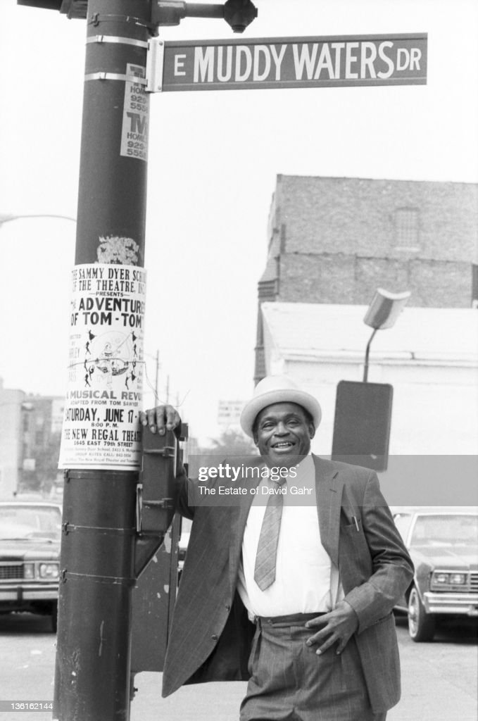 Bassist <a gi-track='captionPersonalityLinkClicked' href=/galleries/search?phrase=Willie+Dixon&family=editorial&specificpeople=895061 ng-click='$event.stopPropagation()'>Willie Dixon</a> poses for a portrait on Muddy Waters Drive in June 1989 in the Southside of Chicago, Illinois.