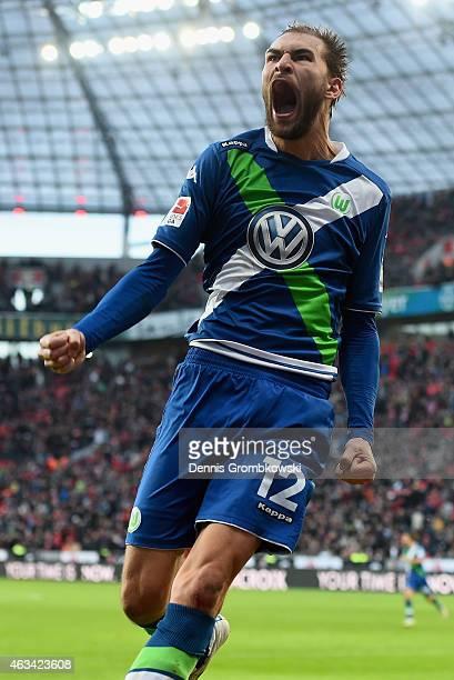 Bast Dost of VfL Wolfsburg celebrates as he scores the winning goal during the Bundesliga match between Bayer 04 Leverkusen and VfL Wolfsburg at...