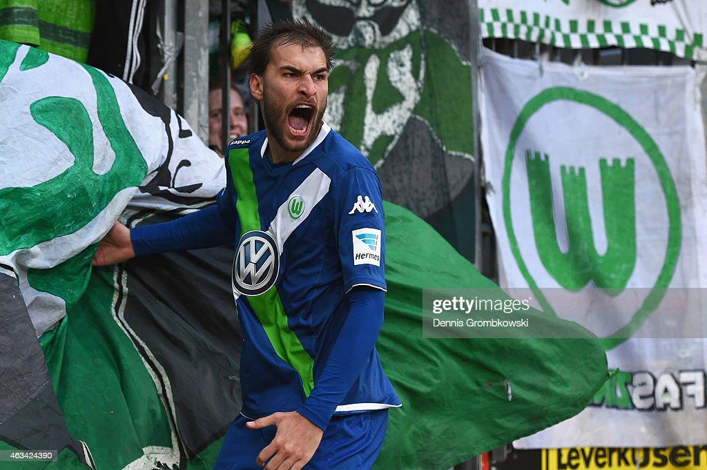 Bayer 04 Leverkusen v VfL Wolfsburg - Bundesliga