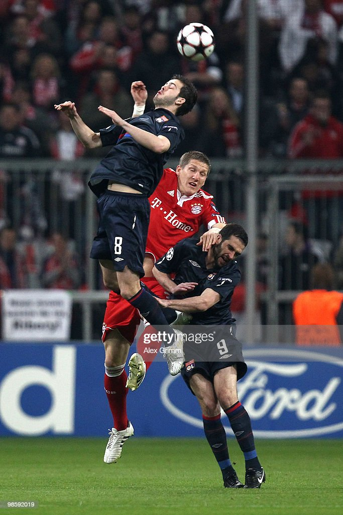 Bayern Muenchen v Olympic Lyon - UEFA Champions League