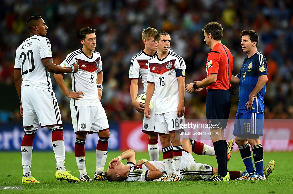 Bastian Schweinsteiger of Germany bleeds after a clash during the 2014 FIFA World Cup Brazil Final match between Germany and Argentina at Maracana on July 13, 2014 in Rio de Janeiro, Brazil.