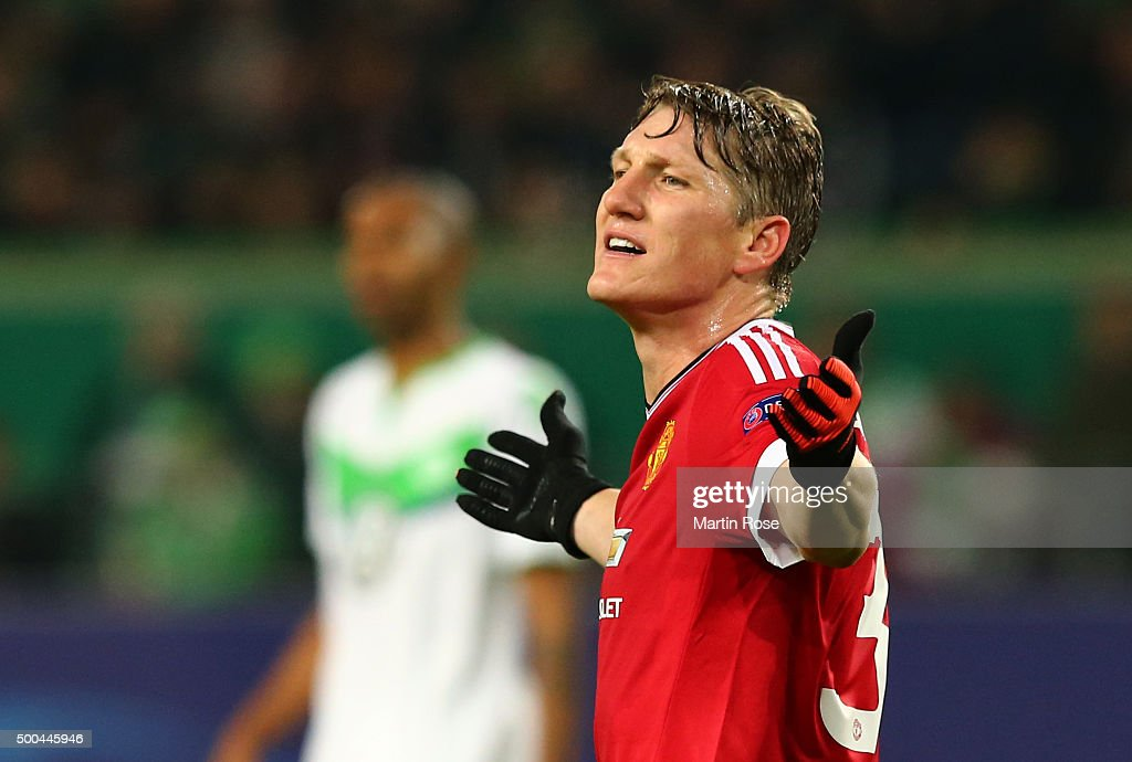 VfL Wolfsburg v Manchester United FC - UEFA Champions League : News Photo