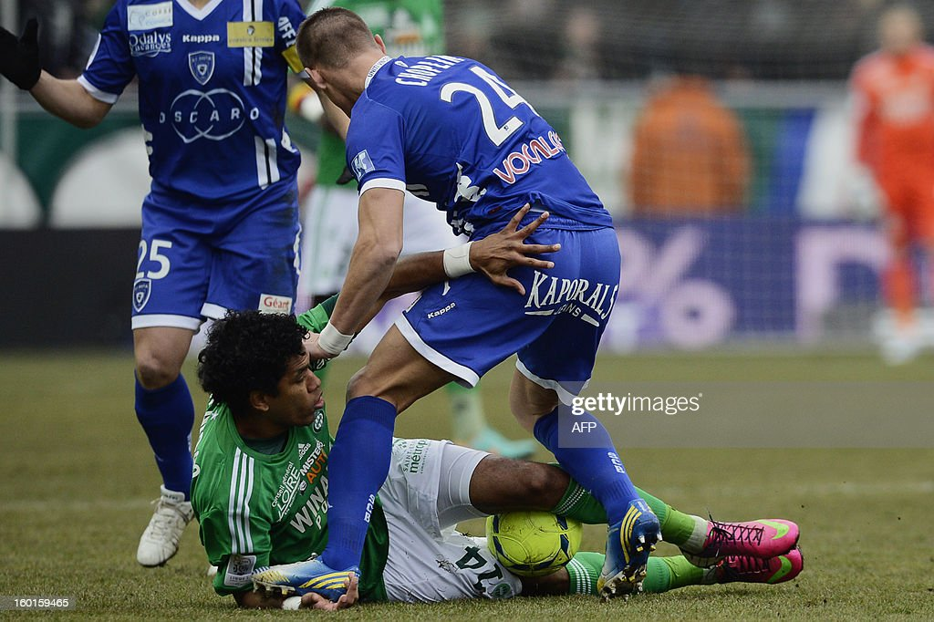 Bastia's French defender Jeremy Choplin (R) vies with Saint-Etienne's Brazilian forward Brandao (L) during the French L1 football match AS Saint-Etienne (ASSE) vs Bastia (SCB) on January 27, 2013, at the Geoffroy Guichard Stadium in Saint-Etienne, central France.