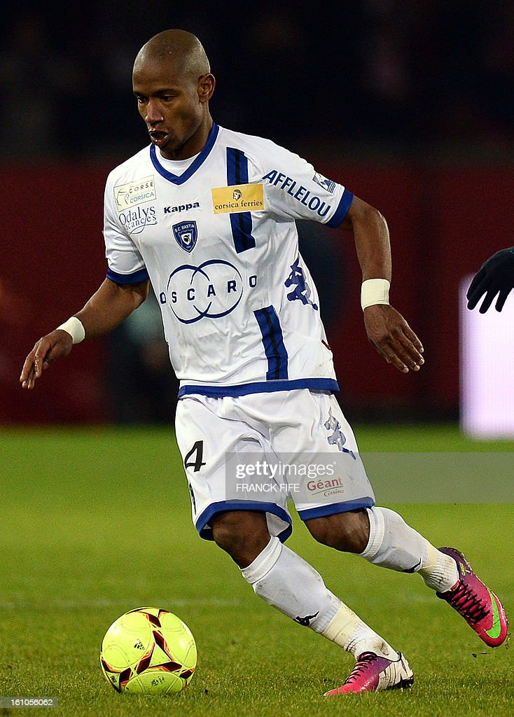Bastia's French forward Claudio Beauvue controls the ball during the French L1 football match Paris Saint-Germain (PSG) vs Bastia, on February 8, 2013 at the Parc des Princes stadium in Paris.