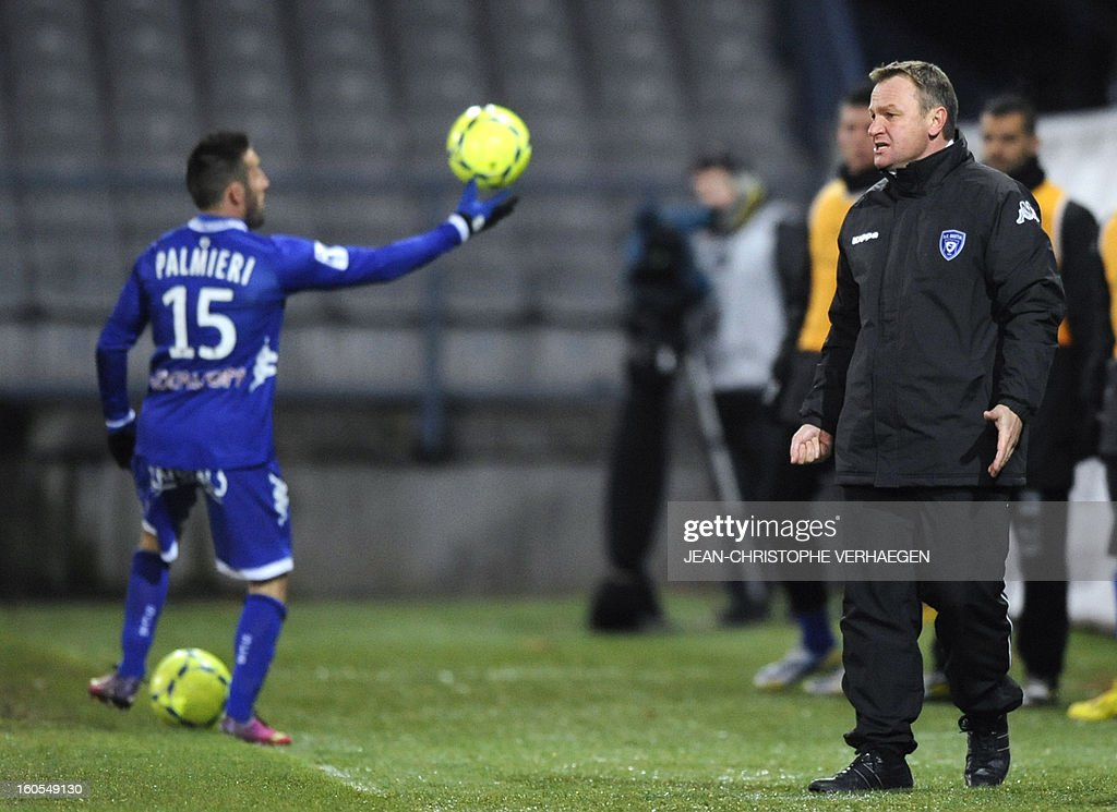 Bastia's French head coach Frederic Hantz (R) reacts during the French L1 football match Bastia (SCB) vs Evian (ETGFC) at the Abbe Deschamps Stadium, on February 2, 2013 in Auxerre.