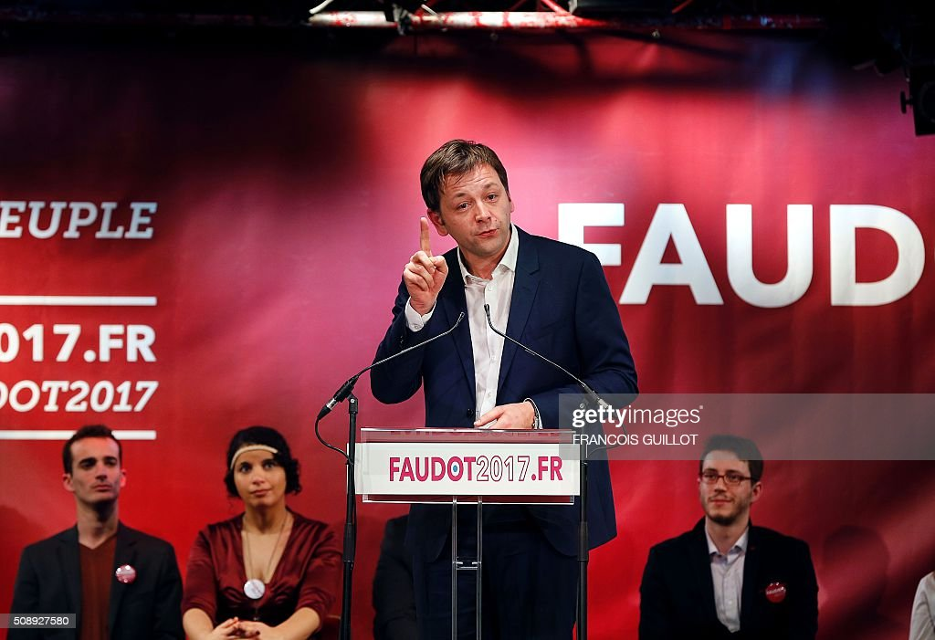 Bastien Faudot, left wing Mouvement Republicain et Citoyen (Citizen and Republican Movement, MRC) party candidate for the 2017 French presidential election, delivers a speech during a meeting following his nomination by the party on February 7, 2016 in Paris. / AFP / FRANCOIS GUILLOT