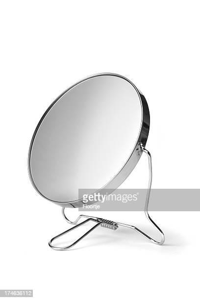 Espejo de ba o fotograf as e im genes de stock getty images for Espejo para maquillarse