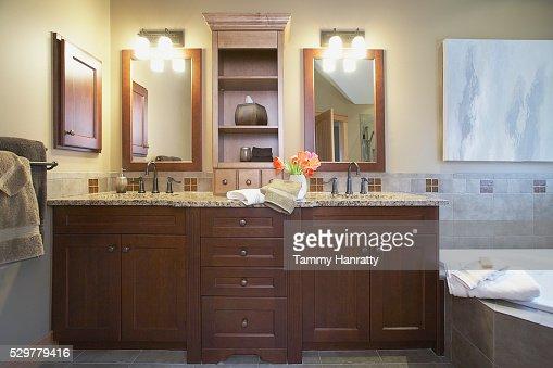 Bathroom sinks : Stock Photo