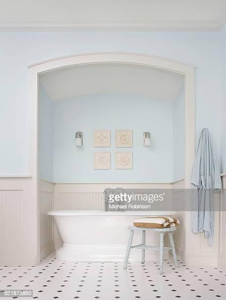 Bathtub in Alcove