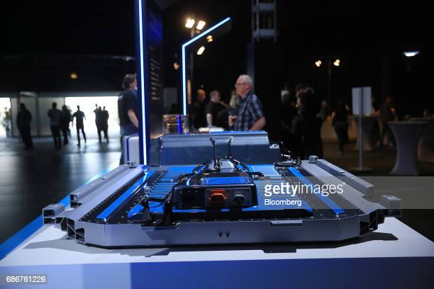 A battery pack for the new MercedesBenz Generation EQ electric sportutility vehicle manufactured by Daimler AG stands on display at the Deutsche...
