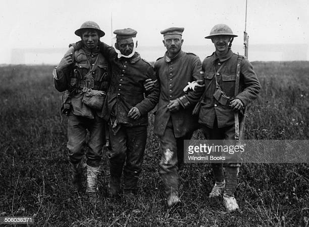 Battle of Albert British soldiers with wounded German prisoners La Boiselle 3rd July 1916 British Front France '16 General Battle Somme