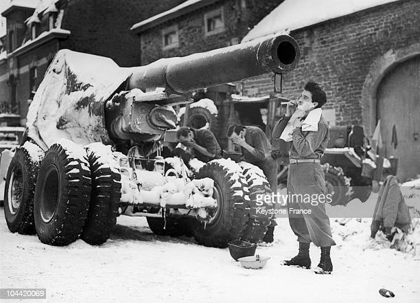 Battle Of The Ardennes A Gi Having A Shave In Front Of His Tank Around 19441945