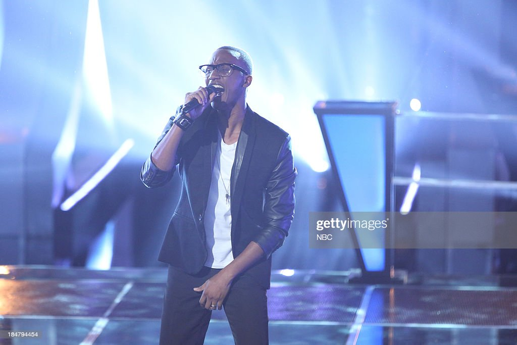 THE VOICE -- 'Battle Rounds' Episode 508 -- Pictured: (l-r) Renard Anthony --