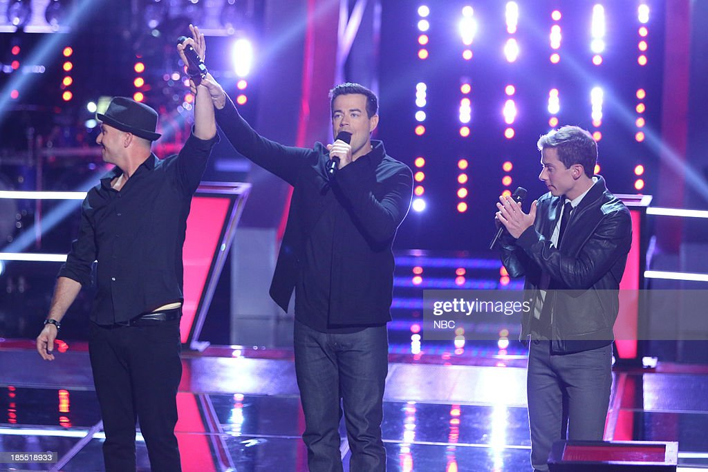 THE VOICE -- 'Battle Rounds' Episode 509 -- Pictured: (l-r) Josh Logan, <a gi-track='captionPersonalityLinkClicked' href=/galleries/search?phrase=Carson+Daly&family=editorial&specificpeople=202941 ng-click='$event.stopPropagation()'>Carson Daly</a>, Michael Lynch --