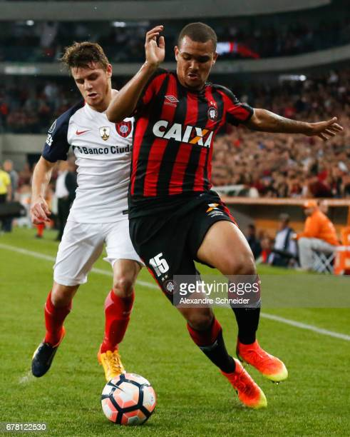 Bautista Merlini of San Lorenzo and Ze Ivaldo of Atletico PR in action during the match between Atletico PR of Brazil and San lorenzo of Argentina...