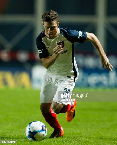 Bautista Merlini of San Lorenzo drives the ball during a match between San Lorenzo and Rosario Central as part of Torneo Primera Division 2016/17 at...