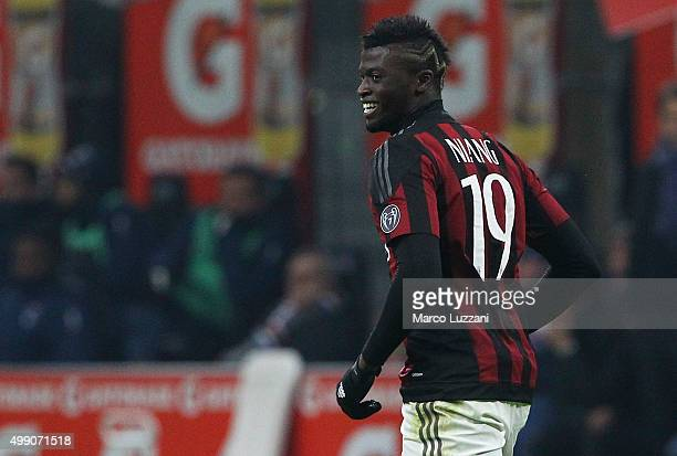 Baye Niang of AC Milan celebrates his second goal during the Serie A match between AC Milan and UC Sampdoria at Stadio Giuseppe Meazza on November 28...