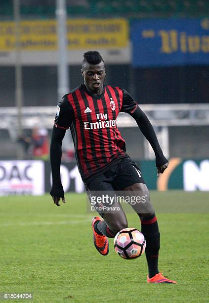 Baye Niang of AC Milan in action during the Serie A match between AC ChievoVerona and AC Milan at Stadio Marc'Antonio Bentegodi on October 16 2016 in...