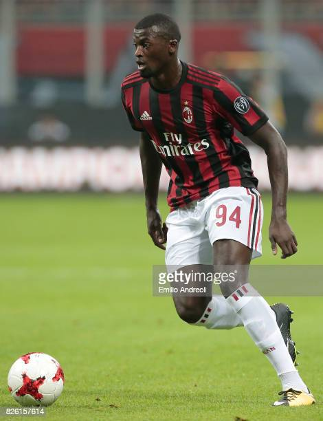 Baye Niang of AC Milan in action during the UEFA Europa League Third Qualifying Round Second Leg match between AC Milan and CSU Craiova at Stadio...
