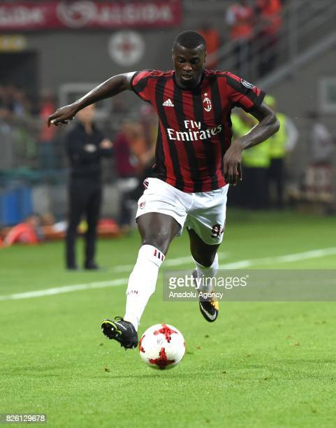 Baye Niang of AC Milan in action during UEFA Europa League Qualifying Round match between AC Milan and CS U Craiova at Giuseppe Meazza of San Siro...