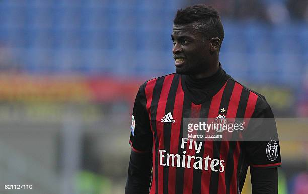 Baye Niang of AC Milan looks on during the Serie A match between AC Milan and Pescara Calcio at Stadio Giuseppe Meazza on October 30 2016 in Milan...