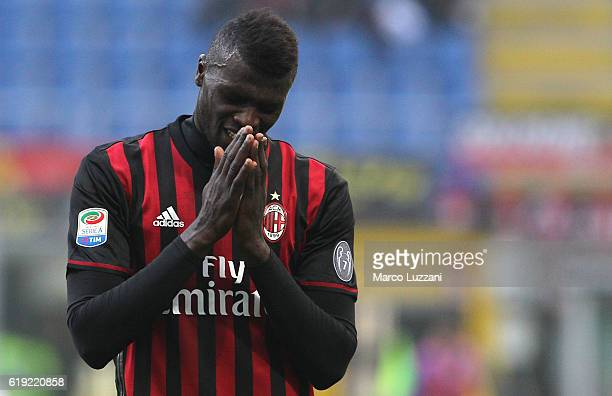 Baye Niang of AC Milan reacts to a missed chance during the Serie A match between AC Milan and Pescara Calcio at Stadio Giuseppe Meazza on October 30...