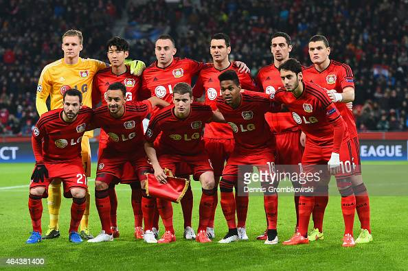 Bayer 04 Leverkusen poses for a team photograph during the UEFA Champions League round of 16 match between Bayer 04 Leverkusen and Club Atletico de...