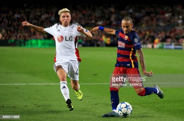 Bayer Leverkusen's Kevin Kampl and Barcelona's Neymar in action