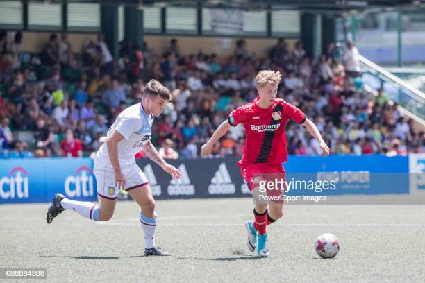 Bayer Leverkusen's Sam Schreck runs with the ball during their Main Tournament match part of the HKFC Citi Soccer Sevens 2017 on 27 May 2017 at the...