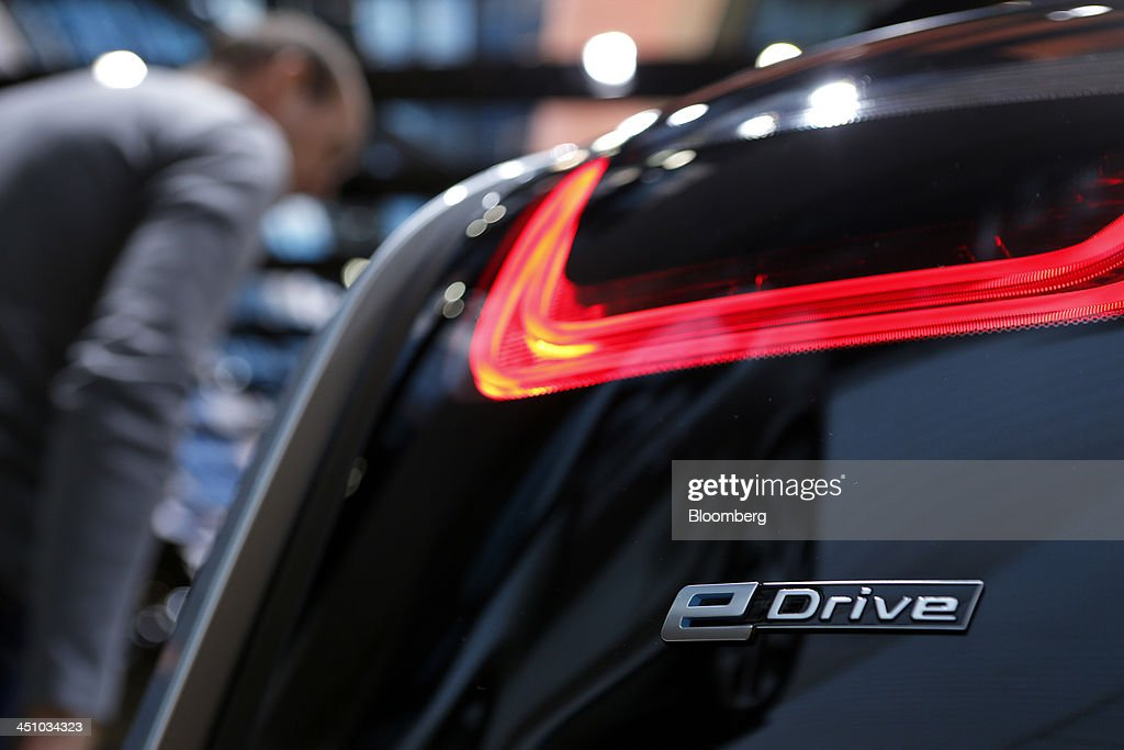 A Bayerische Motoren Werke AG (BMW) i3 electric vehicle sits on display at the 43rd Tokyo Motor Show 2013 in Tokyo, Japan, on Thursday, Nov. 21, 2013. The autoshow will be open to the public from Nov. 23 to Dec. 1 at the Tokyo International Exhibition Center, also known as the Tokyo Big Sight. Photographer: Kiyoshi Ota/Bloomberg via Getty Images