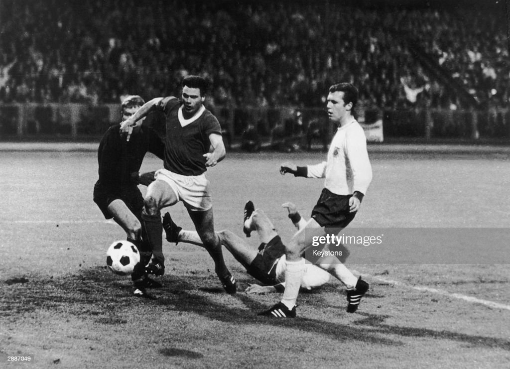 Bayern Munich beat Glasgow Rangers in the European Cup Winners Cup at Nuremberg, 31st May 1967.