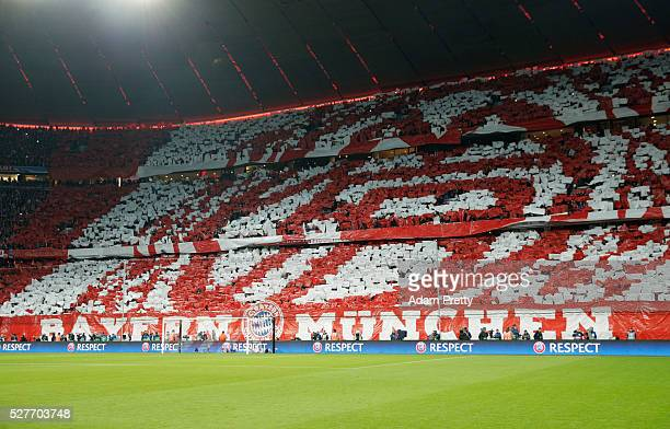 Bayern Munich fans welcome their team prior to UEFA Champions League semi final second leg match between FC Bayern Muenchen and Club Atletico de...