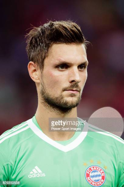Bayern Munich Goalkeeper Sven Ulreich getting into the field during the International Champions Cup match between FC Bayern and FC Internazionale at...