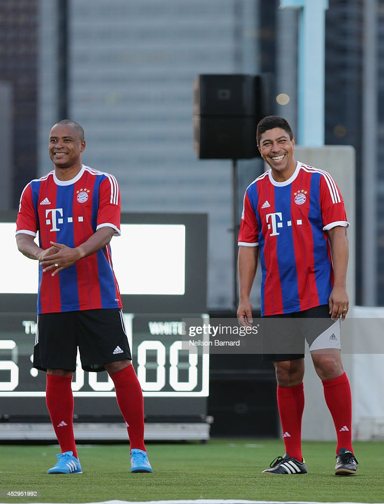 Bayern Munich legends Paulo Sergio and Giovane Elber at the Audi Soccer PickUp Game at Pier 2 at Brooklyn Bridge Park on July 30 2014 in Brooklyn...