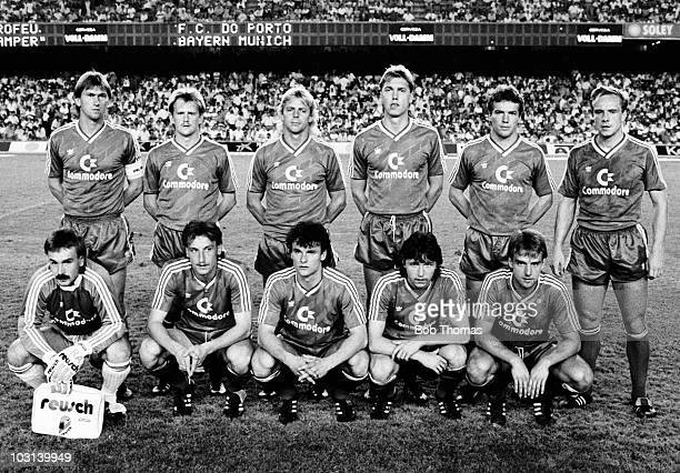 Bayern Munich team group prior to the Gamper Tournament Final against FC Porto held at The Nou Camp Stadium Barcelona on 19th August 1987 FC Porto...