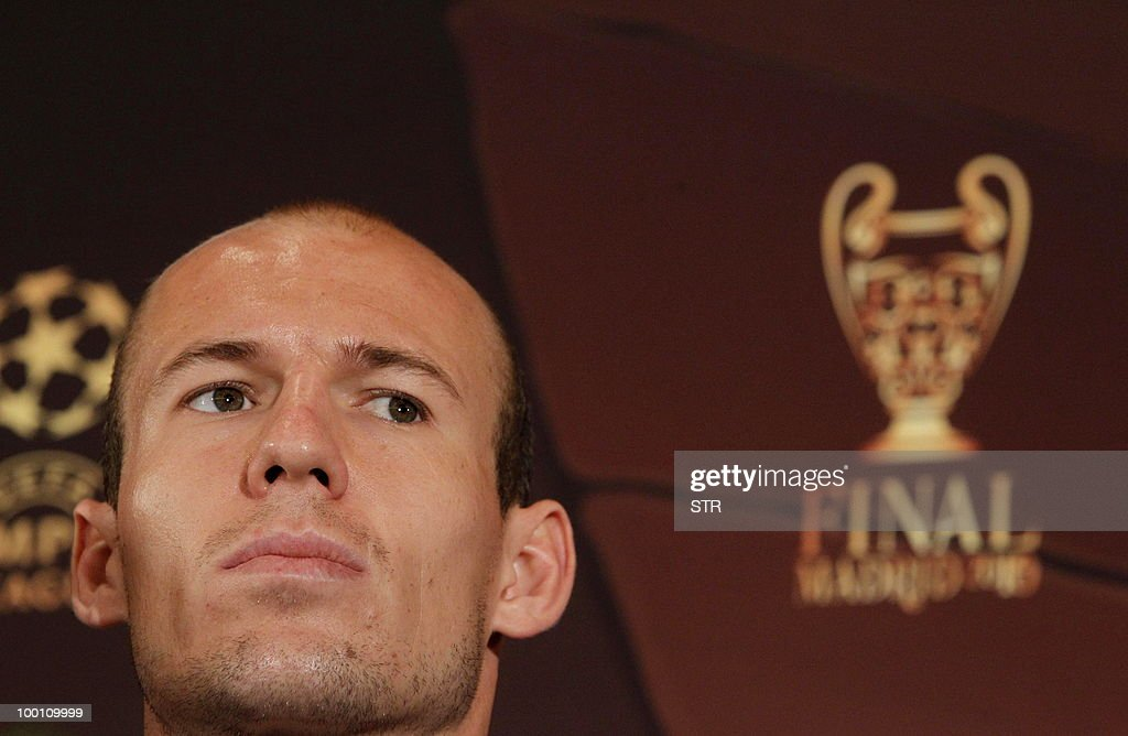 Bayern Munich´s Arjen Roben attends a press conference in Madrid, on May 20, 2010. Inter Milan will face Bayern Munich for the UEFA Champions League final match to be played at the Santiago Bernabeu Stadium in Madrid on May 22, 2010.