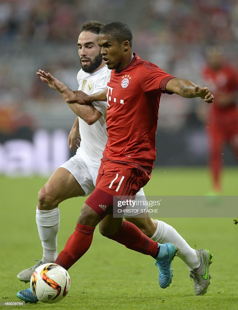 Bayern Munich s Brazilian midfielder Douglas Costa R and