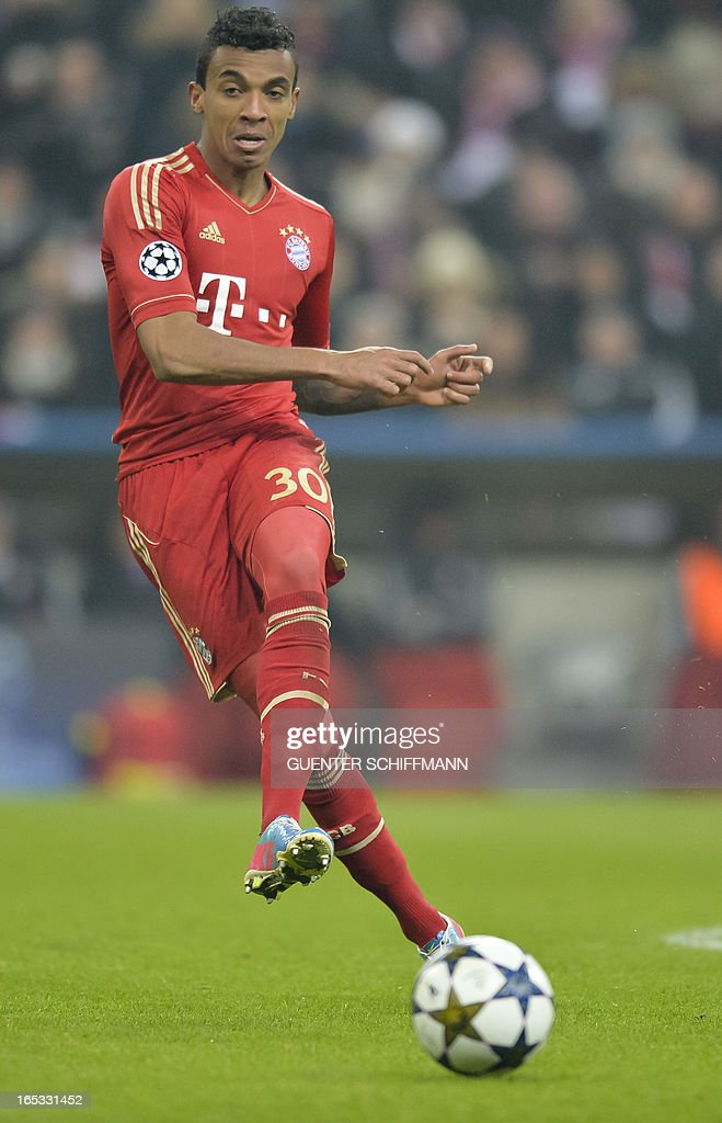 Bayern Munich's Brazilian midfielder Luiz Gustavo plays the ball during the UEFA Champions League quarter final match between FC Bayern Munich vs Juventus Turin at the Allianz Arena stadium in Munich, southern Germany, on April 2, 2013.