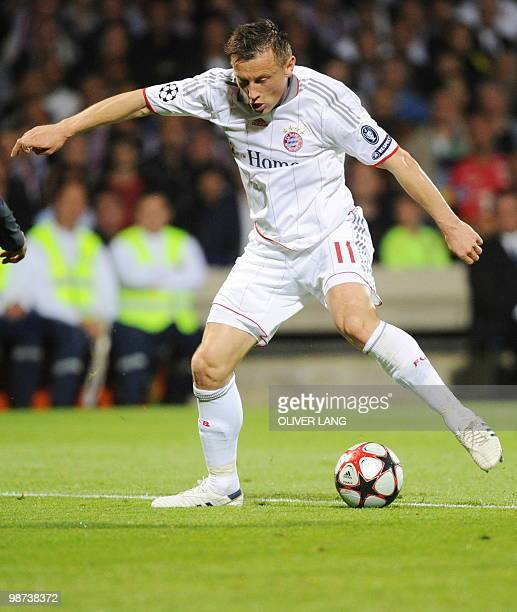Bayern Munich's Croatian striker Ivica Olic controls the ball during the 2nd leg UEFA Champions League semifinal match Olympique Lyonnais vs FC...