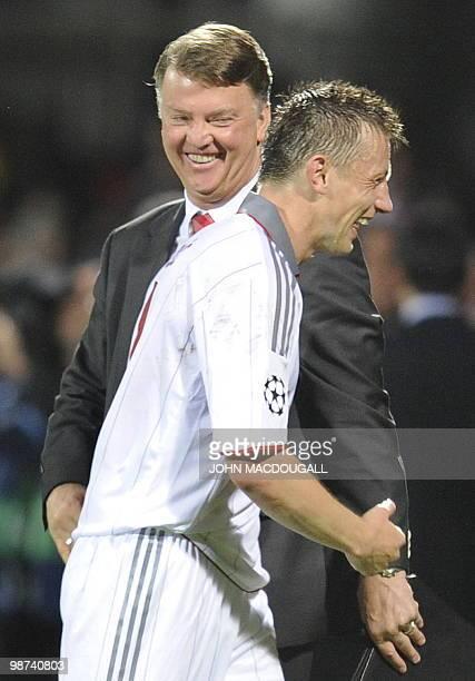 Bayern Munich's Dutch head coach Louis van Gaal greets Bayern Munich's Croatian striker Ivica Olic during the second leg UEFA Champions League...