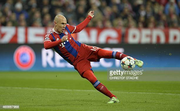 Bayern Munich's Dutch midfielder Arjen Robben kicks the ball during the UEFA Champions League secondleg round of 16 football match FC Bayern Munich...
